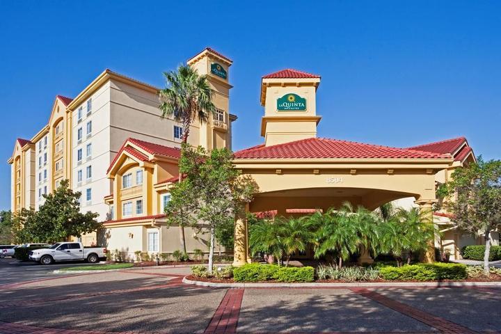 Pet Friendly La Quinta Inn & Suites Orlando Convention Center