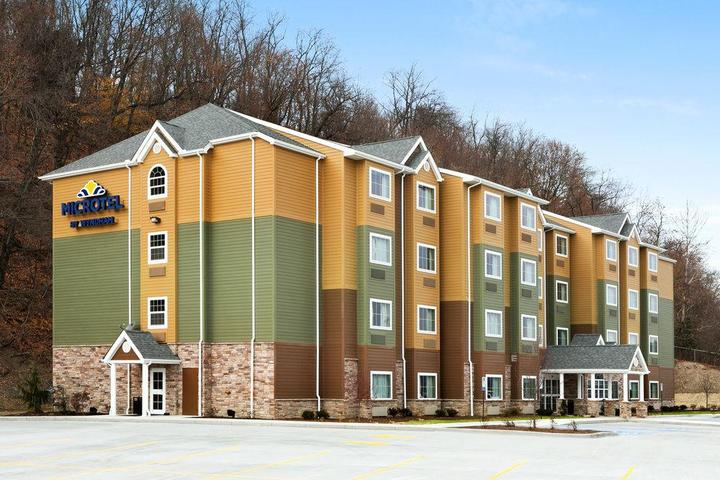 Pet Friendly Microtel Inn & Suites by Wyndham Steubenville