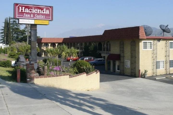 Pet Friendly Hacienda Inn