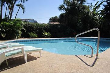 Pet Friendly 2-Bedroom Home with Private Pool