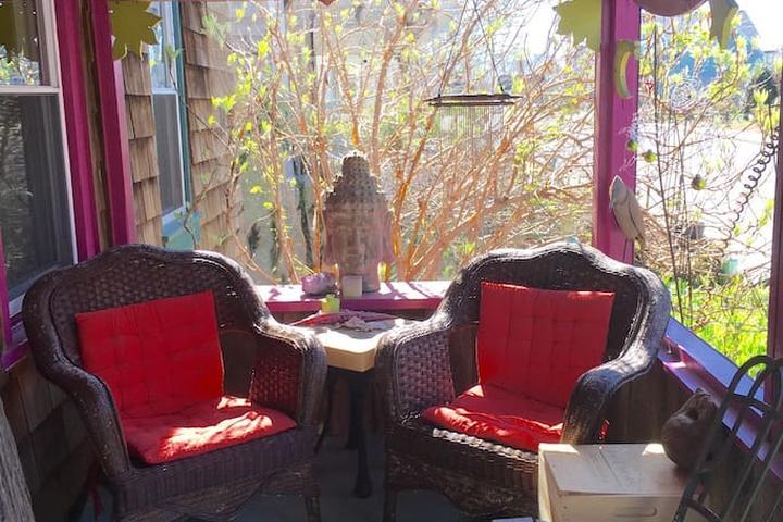 Pet Friendly Lewes Airbnb Rentals