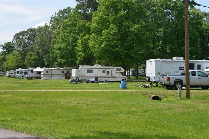 Pet Friendly Aqualand on the Potomac Campground