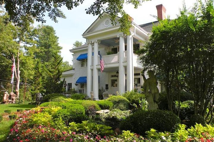 Pet Friendly The Inn at Brevard