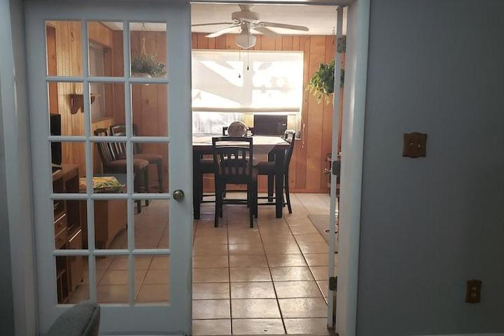 Pet Friendly Walking Distance to the Beach