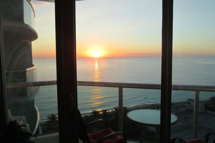 Pet Friendly Oceanfront 14th Floor Apartment