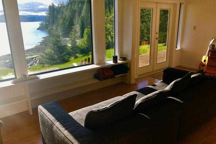 Pet Friendly VRBO Whaletown