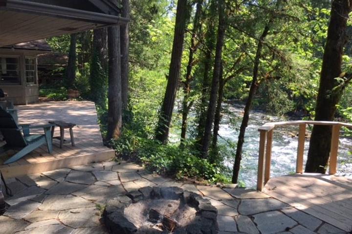 Pet Friendly Finn Rock Airbnb Rentals