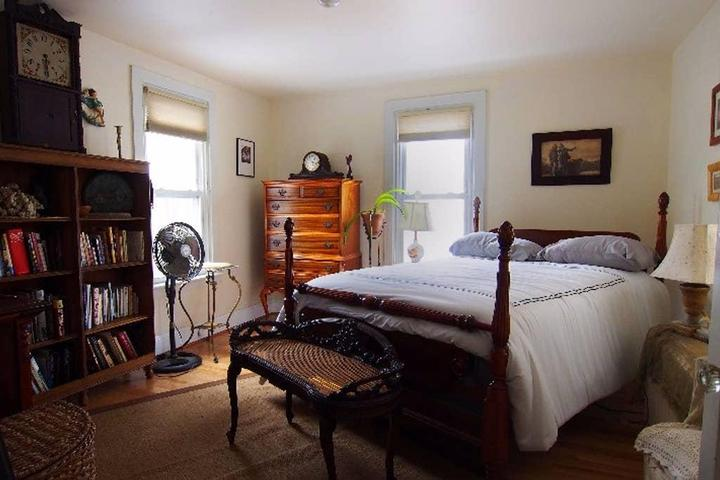 Pet Friendly Darby Airbnb Rentals