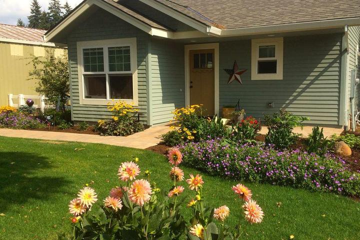 Pet Friendly Oregon City One Bedrm Cottage
