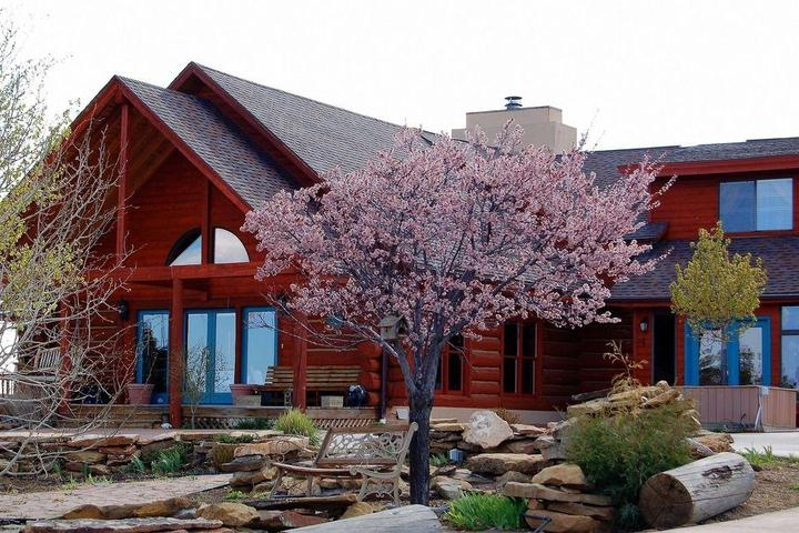 Pet Friendly Sophia Retreat and Event Center