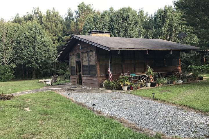 Pet Friendly Blue Pine Lodge