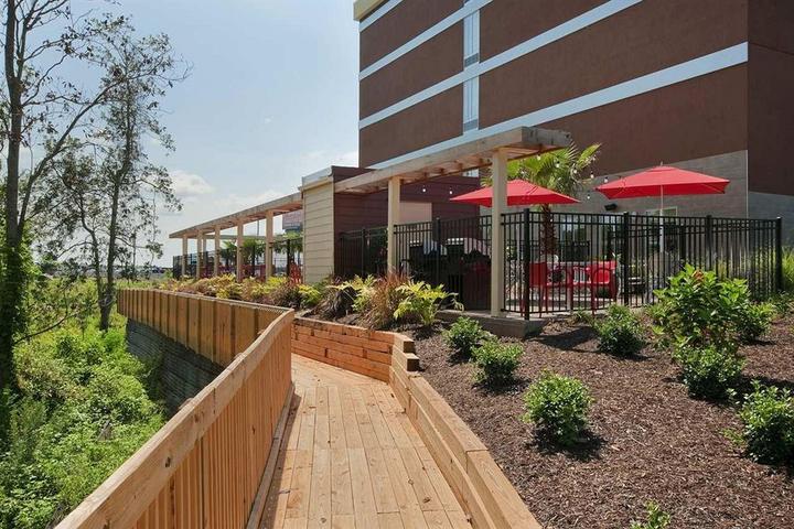 Pet Friendly Home2 Suites by Hilton Biloxi North/D'Iberville