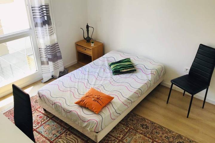 Pet Friendly Creteil Airbnb Rentals