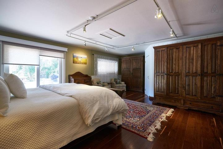 Pet Friendly Ballard Airbnb Rentals