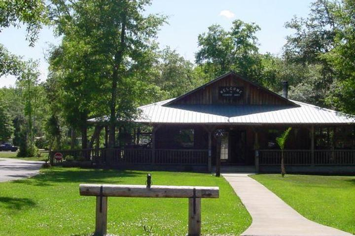 Pet Friendly Country Oaks Campground and RV Park