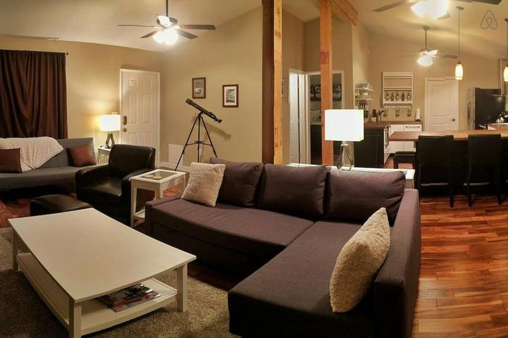 Pet Friendly Mulberry Airbnb Rentals