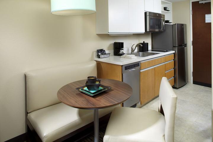 Pet Friendly Hawthorn Suites By Wyndham Triadelphia Wheeling Area