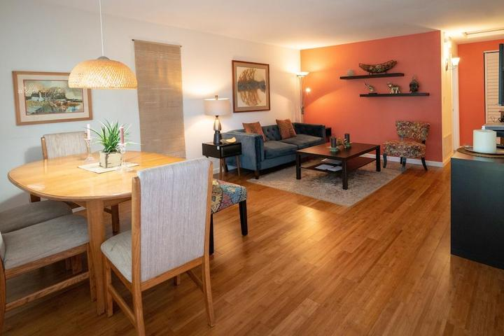 Pet Friendly Redwood Pl Apt 3 in the Heart of Silicon Valley