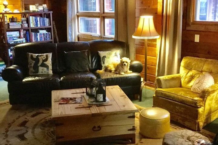 Pet Friendly Eldora Lodge at Wondervu