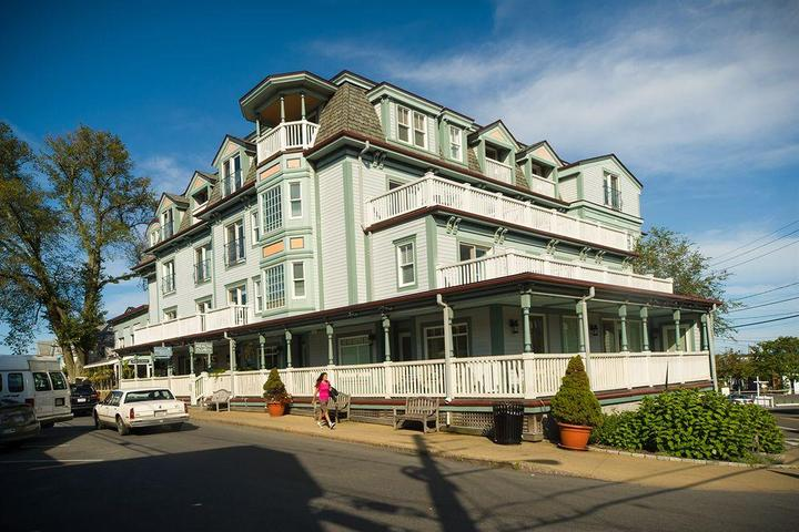 Pet Friendly Mansion House Inn And Spa
