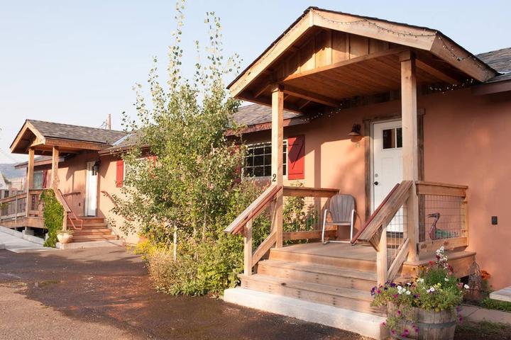 Pet Friendly Hotels in Sierraville, CA - Bring Fido