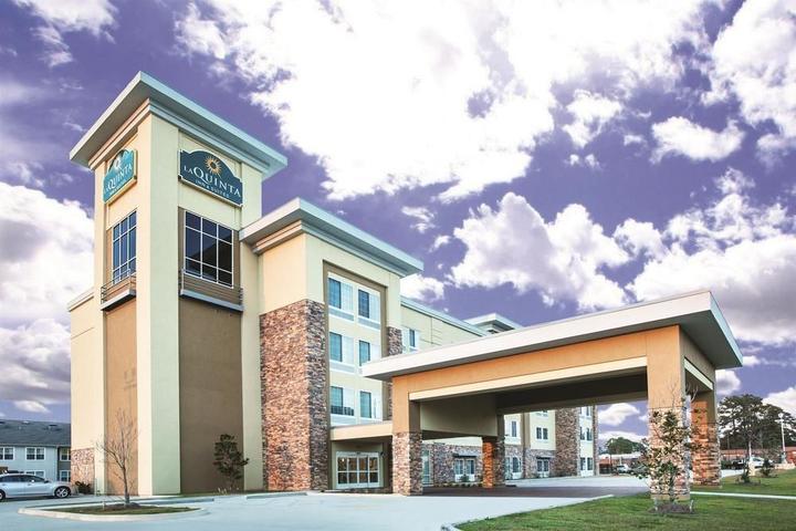 Pet Friendly La Quinta Inn & Suites Hattiesburg I-59