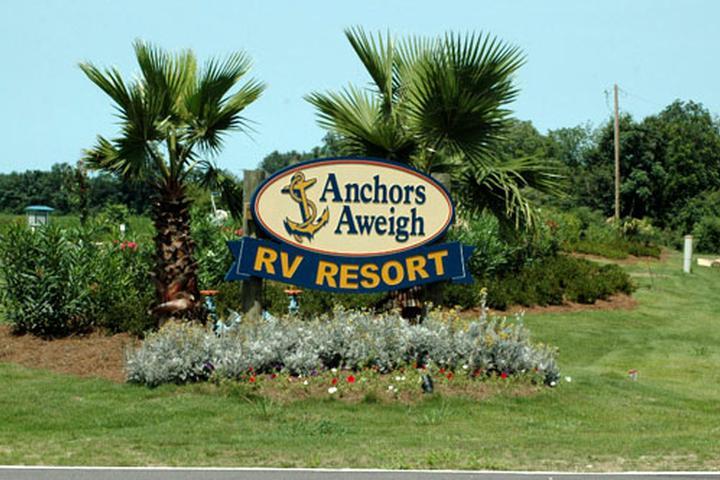 Pet Friendly Anchors Aweigh RV Resort
