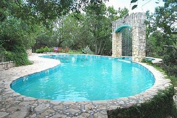 Pet Friendly Luxury Private Estate & Pool