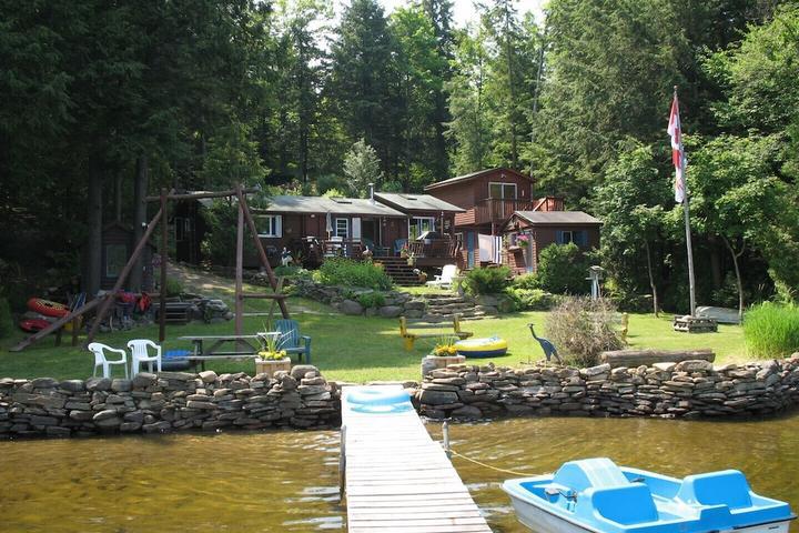 Pet Friendly Waterfront Cottage on Bob Lake