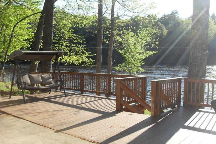 Pet Friendly Vacation Rentals in Lake Luzerne, NY - Bring Fido