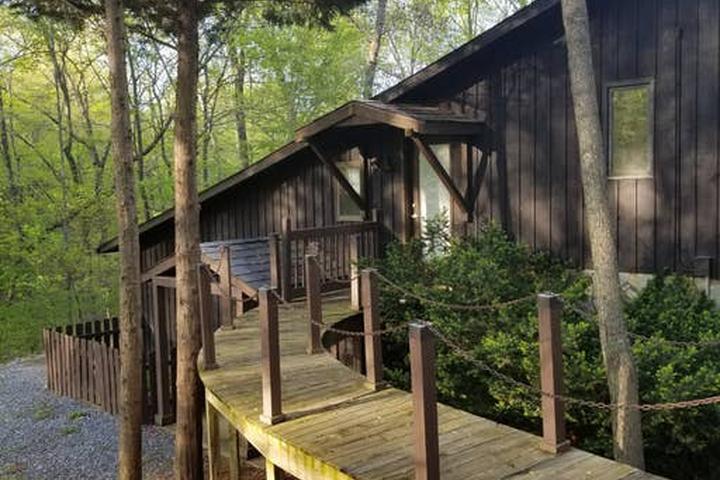 Pet Friendly Oak Ridge Airbnb Rentals