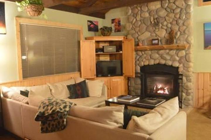 Pet Friendly Prosser Lake Heights Airbnb Rentals