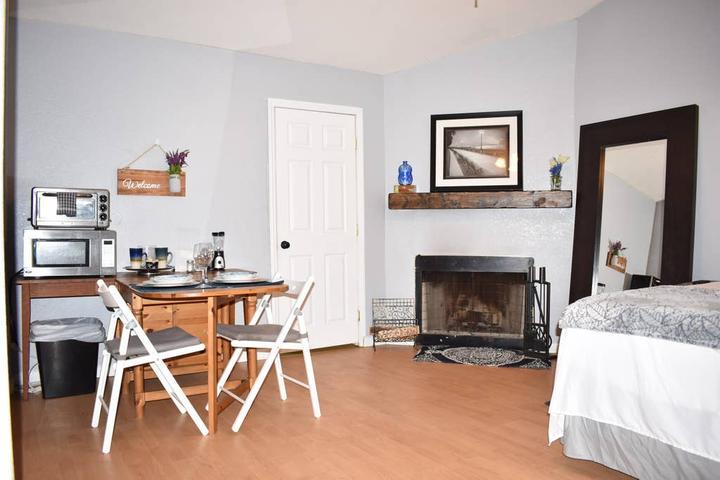 Pet Friendly Woodcrest Airbnb Rentals