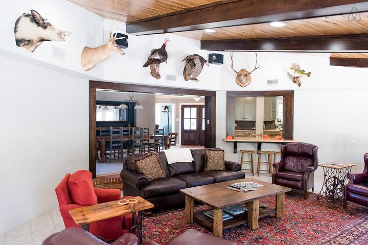 Pet Friendly Livingston Airbnb Rentals