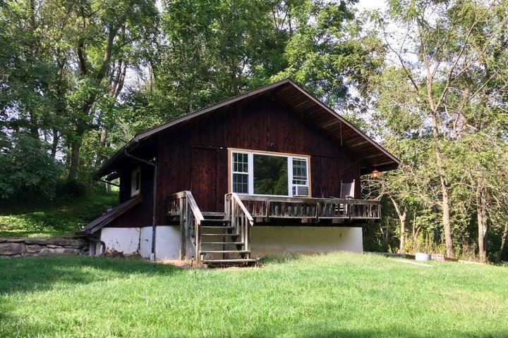 Pet Friendly Valley Grove Airbnb Rentals