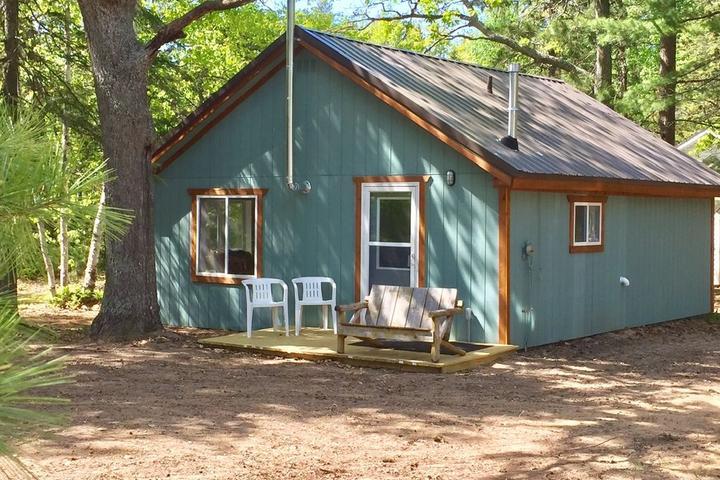 Pet Friendly Superior's Treasure Cabin at Culhane Lake