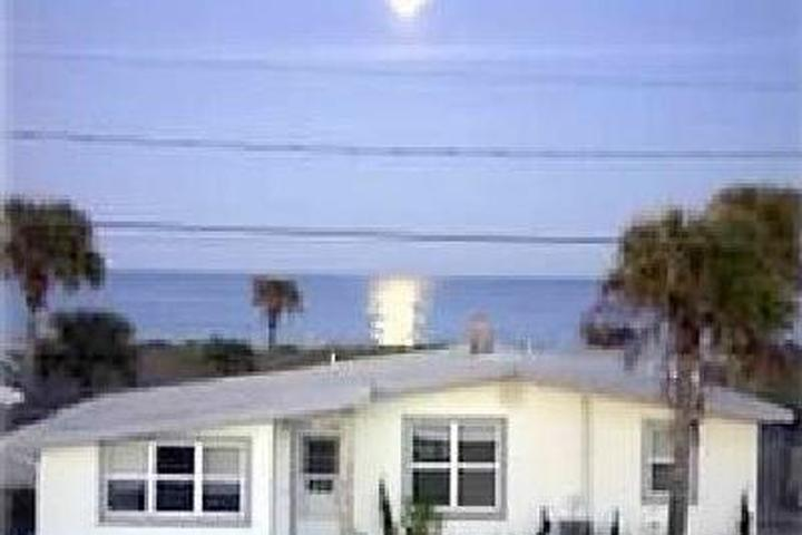 Enjoyable Pet Friendly Vacation Rentals In Flagler Beach Fl Bring Fido Home Interior And Landscaping Eliaenasavecom