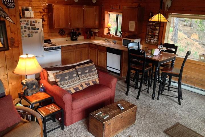 Pet Friendly Deer Creek Cabin in the Rockies