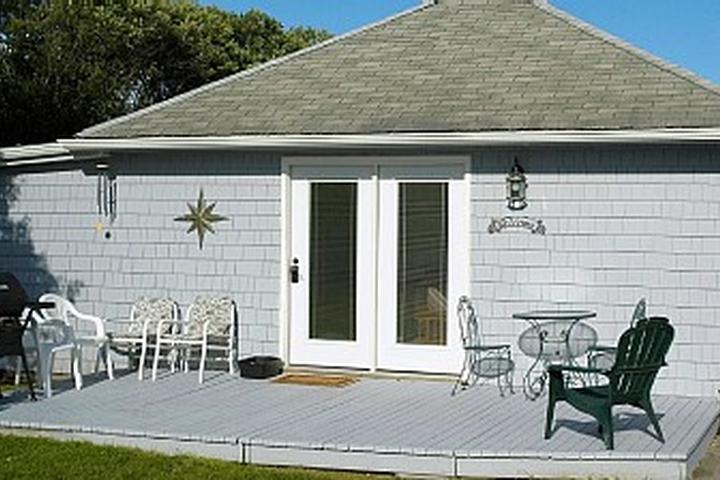 Excellent Pet Friendly Vacation Rentals In Narragansett Ri Bring Fido Home Interior And Landscaping Ferensignezvosmurscom