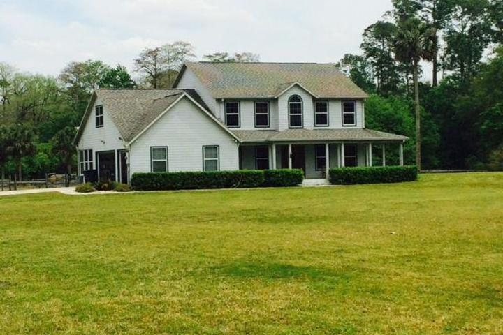 Pet Friendly Horse Farm with Furnished House