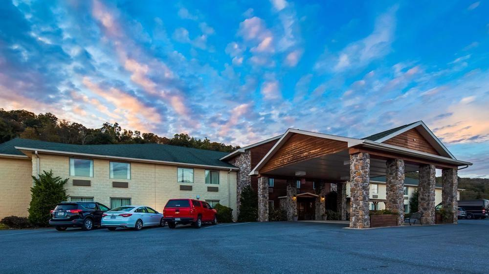 berkeley springs chat Berkeley springs motel allows pets of any size for a fee of $10 per pet, per night.