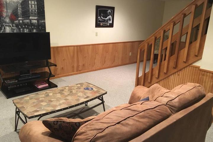 Pet Friendly Cromwell Airbnb Rentals