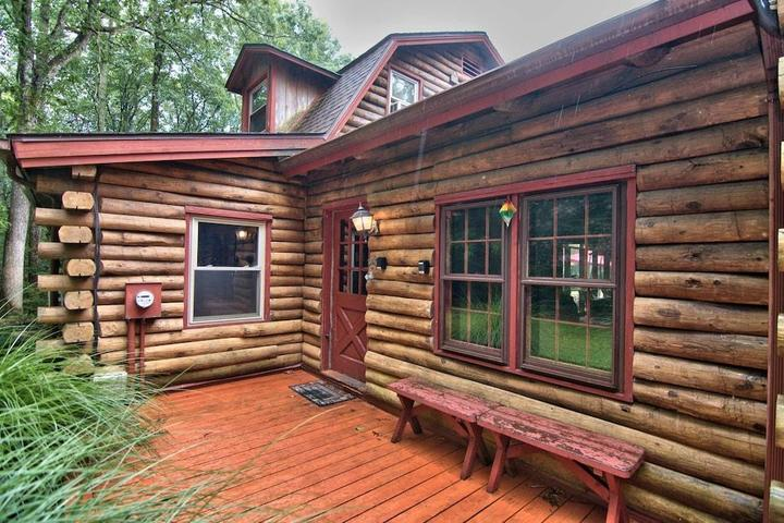 Pet Friendly Bear Creek Lodge