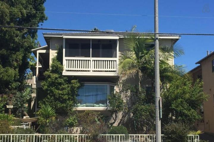 Pet Friendly Westmont Airbnb Rentals