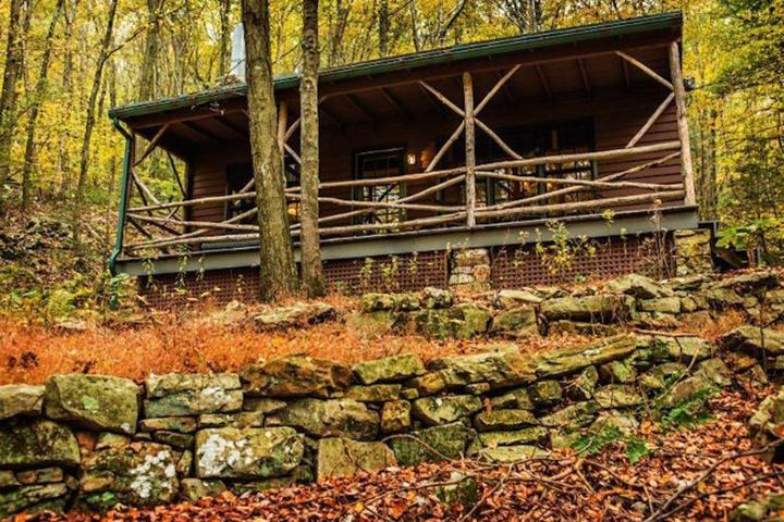 Pet Friendly Cozy Appalachian Trail Cottage