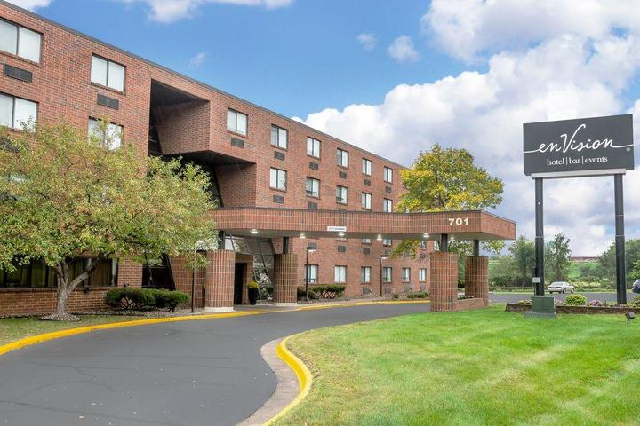 Pet Friendly enVision Hotel St. Paul South, an Ascend Hotel Collection Member