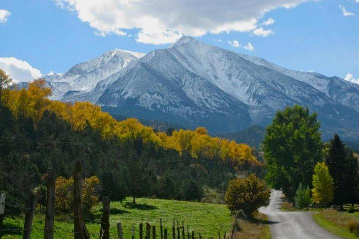 Pet Friendly Vacation Rentals In Glenwood Springs Co Bring Fido