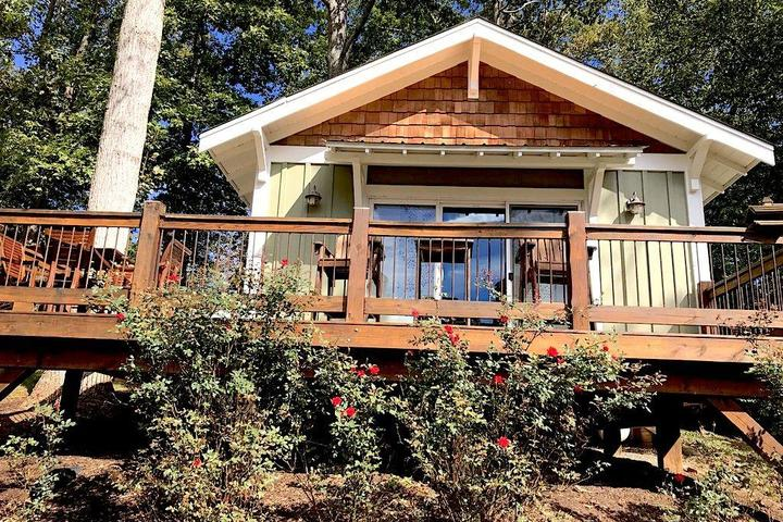 Awesome Pet Friendly Vacation Rentals In Hickory Nc Bring Fido Download Free Architecture Designs Grimeyleaguecom