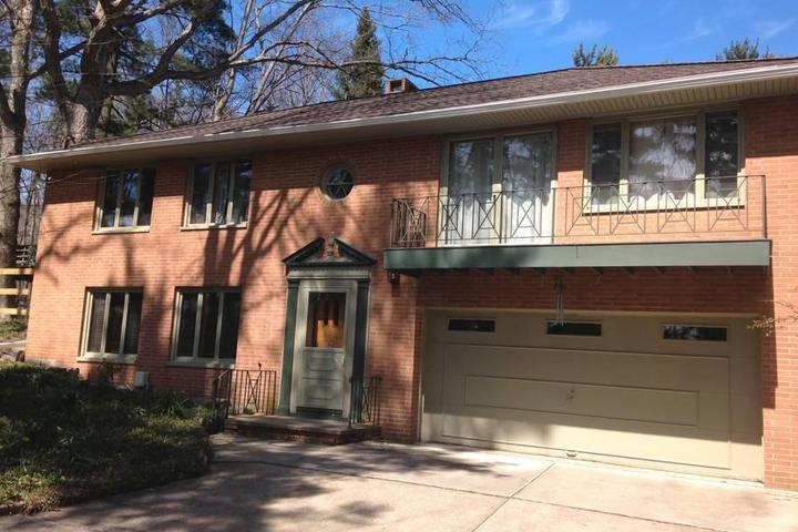 Pet Friendly Middleburg Heights Airbnb Rentals