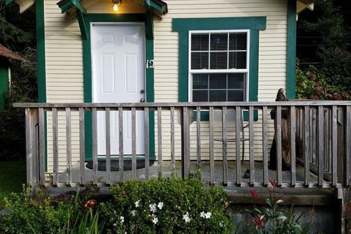 Pet Friendly Woodland Villa Cabins